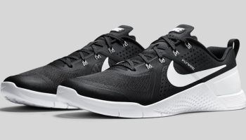 reputable site 0be56 dfbd1 SPORTS STYLE  Nike Mecton I